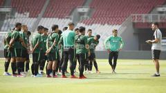 Indosport - Timnas Indonesia tak terpengaruh cuaca panas di Dubai jelang pertandingan Kualifikasi Piala Dunia 2022 menghadapi tuan rumah Uni Emirat Arab.