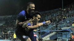 Indosport - Pelatih Arema FC, Milomir Seslija, menyebut tidak khawatir atas ketersediaan stok pemain di lini serang, meski Sylvano Comvalius tak turun bermain.