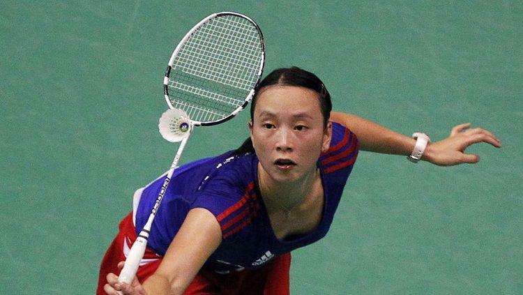 Pi Hongyan, pebulutangkis asal China yang membela Prancis. Copyright: REUTERS/Regis Duvignau