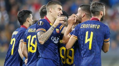 Selebrasi pemain AS Roma pasca mencetak gol ke gawang Wolfsberger AC di Liga Europa - INDOSPORT