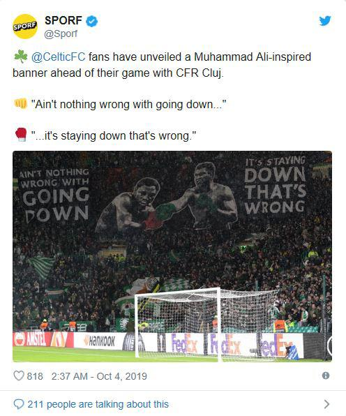 Spanduk Mohammad Ali di laga Glasgow Celtic vs CFR Cluj. Copyright: Twitter @Sporf