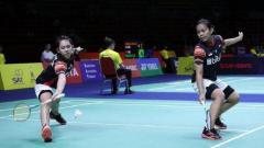 Indosport - Pasangan ganda putri, Siti Fadia Silva Ramadhanti/Ribka Sugiarto lolos ke baabak semifinal Indonesian Masters 2019.