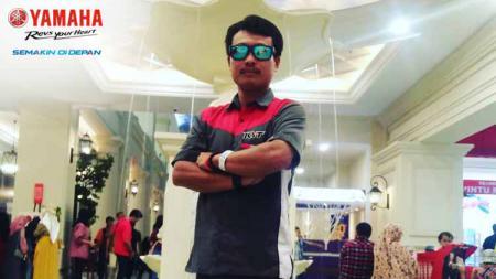 Teknisi helm MotoGP asal Indonesia, Nathania Mugiyono. - INDOSPORT