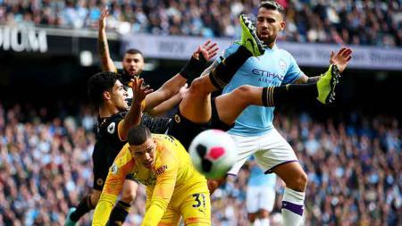 Sejarah 10 Kiper Terbaik di Liga Inggris Sepanjang Masa - INDOSPORT