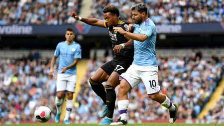 Bintang Liga Inggris dari klub Wolverhampton Wanderers, Adama Traore, konon lebih sulit dihentikan ketimbang Cristiano Ronaldo. - INDOSPORT
