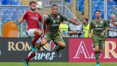 Indosport - Berikut INDOSPORT mencoba untuk merangkum 3 gelandang AS Roma yang bakal terusir jika Radja Nainggolan kembali ke Stadio Olimpico pada Serie A Italia musim depan.