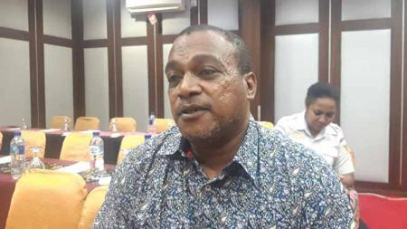 Legenda Persipura Jayapura, Kamasan Jack Komboy kini memiliki pekerjaan sebagai anggota DPR Papua. - INDOSPORT
