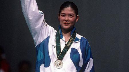 Bang Soo-hyun saat memenangkan kejuaraan bulutangkis di tahun 1996 - INDOSPORT