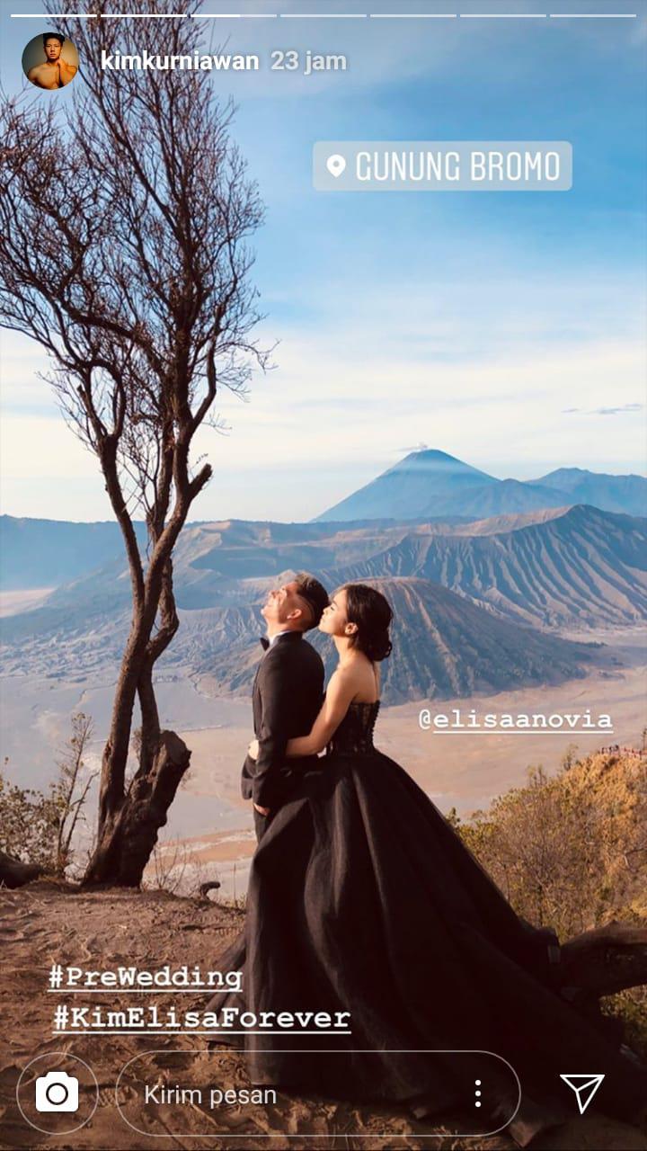 Romantisnya Sesi Prewedding Kim Kurniawan dengan WAGs Persib Bandung di Gunung Bromo Copyright: instagram.com/kimkurniawan