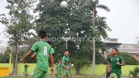 Skuat PSMS Medan berlatih di komplek Stadion Kebun Bunga, Medan. - INDOSPORT