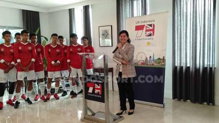 Ratu Tisha, Sekjen PSSI di acara konferensi pers dan pelepasan angkatan kedua tim Garuda Select 2019 di Gedung Kedutaan Besar Inggris pada Selasa (08/10/19). - INDOSPORT