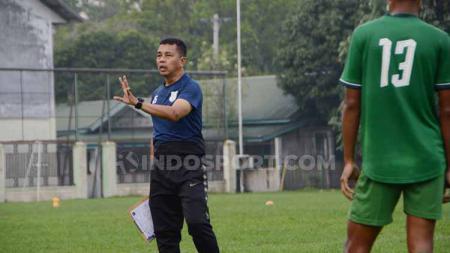 Pelatih PSMS Medan, Jafri Sastra menyambut antusias kabar yang menyatakan laga tunda kontra BaBel United dalam Liga 2 2019 bisa dilaksanakan di Stadion Teladan. - INDOSPORT
