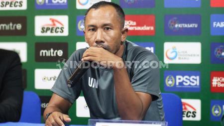 Legenda Persebaya Surabaya, Uston Nawawi. Foto: Nofik Lukman Hakim - INDOSPORT