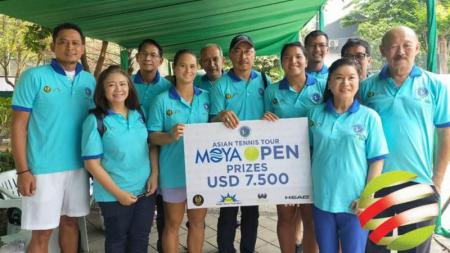 Andalan tim Merah Putih, yakni Beatrice Gumulya dan Jessy Rompies serta Ari Fahresi dan Anthony Susanto turut meramaikan kejuaraan Turnamen tenis Moya Open 2019. - INDOSPORT