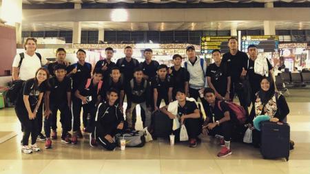 Garuda Select angkatan kedua tiba di Bandara Soekarno-Hatta untuk berangkat ke Eropa. - INDOSPORT