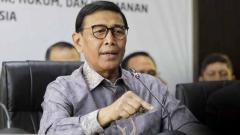 Indosport - Menko Polhukam dan Ketum PBSI Wiranto dilaporkan mendapat serangan dari seorang pria ketika berada di kawasan Pandeglang, Banten.