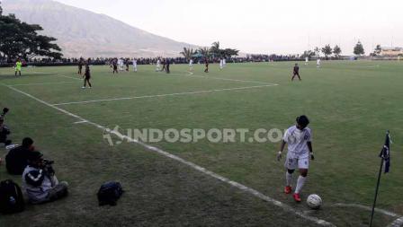 Laga pertandingan Arema FC Putri vs PSM Makassar Putri.