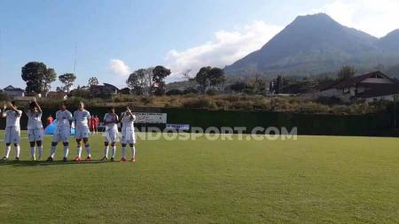 Sisi barat venue Liga 1 Putri antara Arema FC vs PSM Makassar yang dihiasi pemandangan Gunung Van Der Man. - INDOSPORT
