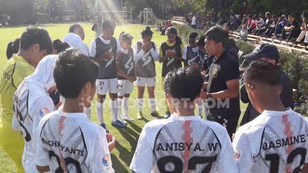 Arema FC tak mau terpengaruh dengan tetap fokus pada persiapan tim, meski Derby Jatim versus Persebaya Surabaya kembali diberi perhatian secara khusus dalam seri kedua Liga 1 Putri. - INDOSPORT