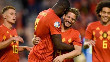 Selebrasi para pemain Belgia usai cetak gol ke gawang San Marino. - INDOSPORT