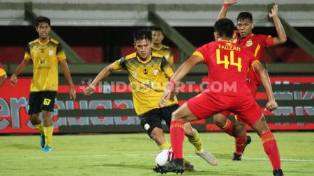 Barito Putera di babak semifinal Elite Pro Academy Liga 1 U-20 2019 di Stadion Kapten I Wayan Dipta, Gianyar, Rabu (09/10/19) malam. Foto: Nofik Lukman Hakim - INDOSPORT