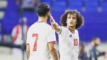Pemain timnas Uni Emirat Arab (UEA), OmarAbdulrahman, menunjuk satu pemain usai timnya mengalahkan Timnas Indonesia di Kualifikasi Piala Dunia 2022, Kamis (10/10/19). - INDOSPORT