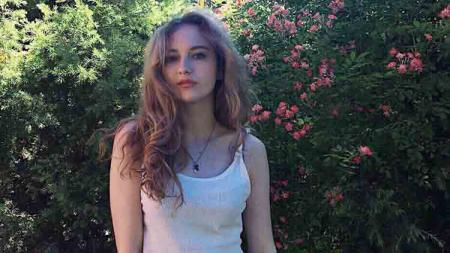Pebulutangkis Rusia, Viktoriia Kozyreva, juga berhasil memikat Fajar Alfian. - INDOSPORT