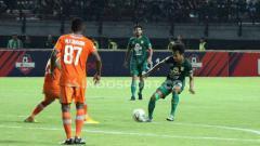 Indosport - Laga pertandinga Liga 1 antara Persebaya Surabaya vs Borneo FC.