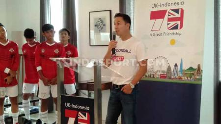 Dennis Frank Wise, legenda Chelsea FC ketika berkunjung ke Indonesia dalam rangka menjemput para pemain Garuda Select 2019 angkatan kedua pada Selasa (08/10/19) di Gedung Kedubes Inggris, Kuningan, Jakarta. - INDOSPORT