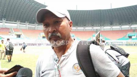 Pelatih Timnas Indonesia U-19 Fakhri Husaini - INDOSPORT
