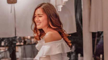 Selebgram sekaligus suporter Persija Jakarta, Jess Amalia - INDOSPORT