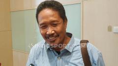 Indosport - Mantan komisi wasit asal Jawa Timur, Purwanto lolos verifikasi Exco PSSI periode 2019-2023. Foto: Fitra Herdian/Indosport