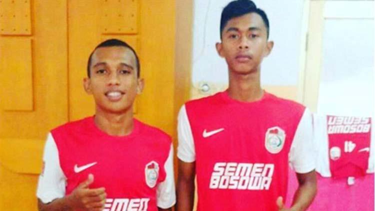 Irfan Jaya (kiri) dan Kahar Muzzakar (kanan) saat masih membela PSM Makassar U-21. Copyright: Instagram/@kaharkalu99