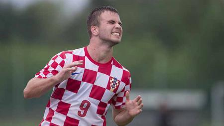 Persija Jakarta, klub Liga 1 2020, mungkin akan menderita kerugian besar jika sampai mendatangkan penyerang Kroasia, Fran Brodic. - INDOSPORT