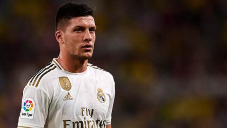 Pemain Real Madrid, Luka Jovic, dikabarkan sedang menghadapi dilema besar terkait dirinya yang tengah jadi incaran raksasa Serie A Liga Italia, AC Milan. - INDOSPORT