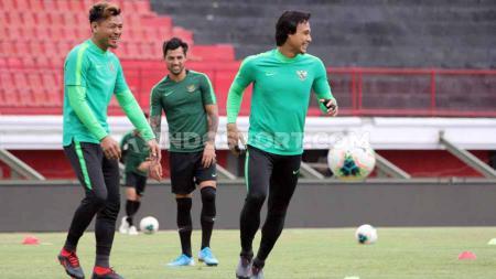 Situs AFC menyatakan bahwa level sepak bola Indonesia sudah berada jauh di bawah Vietnam. - INDOSPORT