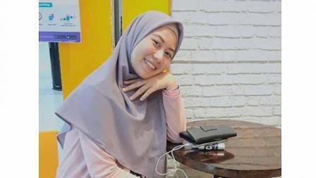 Pose cantik hijab ala Galuh Candra Kirana P Prasetya pemain TIRA-Persikabo di Liga 1 putri