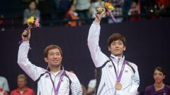 Indosport - Ada kisah tragis yang menimpa pasangan ganda putra Korea Selatan yang juga sempat memenangkan French Open 2011 lalu, Lee Yong-dae/Jung Jae-sung.