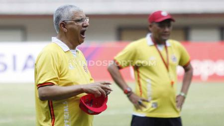 Kedatangan Edson Tavares sebagai pelatih anyar Persija Jakarta untuk Shopee Liga 1 2019 diwarnai dengan nada-nada sumbang. - INDOSPORT