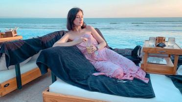 Unggah Foto Berenang, Kimberly Ryder Bikin Netizen Gerah