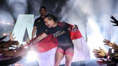 Indosport - Berikut ini ada aksi luar biasa dari atlet MMA berdarah Batak Priscilla Hertati dalam momen ikut rayakan ulang tahun Persatuan Bangsa-Bangsa (PBB) ke-75.