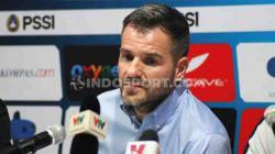 Pelatih Timnas Indonesia, Simon McMenemy saat konferensi pers usai pertandingan Kualifikasi Piala Dunia 2022 menghadapi Vietnam, Selasa (15/10/19) malam WIB.