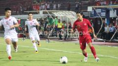 Indosport - Media Vietnam sepertinya kegirangan mendengar kabar kalau PSSI tidak memberikan target tinggi kepada Timnas Indonesia di Piala AFF 2020.