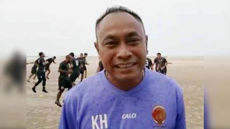 Pelatih Kas Hartadi menilai Sriwijaya FC belum beruntung usai kalah dari Persita Tangerang lewat drama adu penalti di babak semifinal Liga 2 2019 di Stadion Kapten I Wayan Dipta, Gianyar, Bali, Jumat (22/11/2019) sore. - INDOSPORT