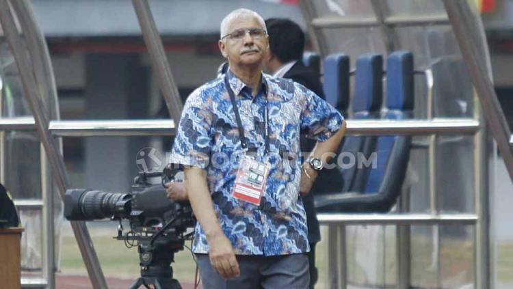 Edson Tavares akhirnya menjalani debutnya sebagi pelatih baru Persija Jakarta di kabcah Liga 1 2019. Copyright: Herry Ibrahim/INDOSPORT
