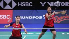 Indosport - Greysia Polii/Apriyani Rahayu lolos ke final ganda putri perorangan SEA Games 2019 usai mengalahkan Vivian Hoo/Yap Cheng Wen (Malaysia), Minggu (8/12/19).