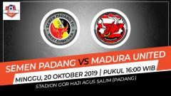 Indosport - Pertandingan Semen Padang vs Madura United.