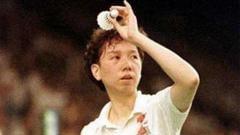 Indosport - Han Aiping, legenda bulutangkis dari China sekaligus juara All England dua sektor yang meninggal dunia karena kanker.