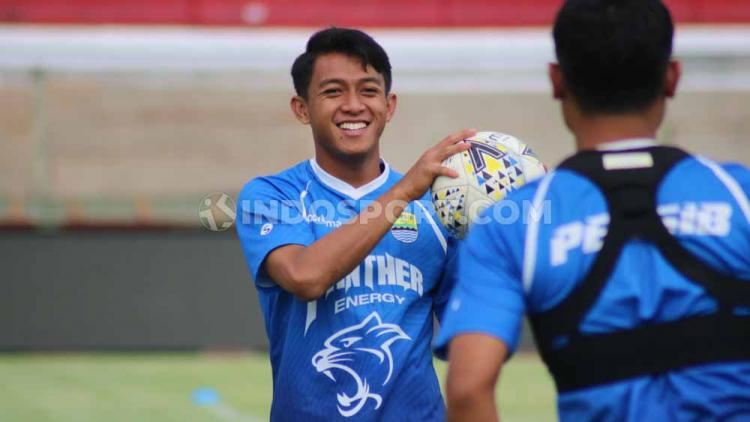 Pemain Persib Bandung, Febri Hariyadi saat menjalani sesi uji lapangan di Stadion Kapten I Wayan Dipta, Gianyar, Kamis (17/10/19). Copyright: Nofik Lukman Hakim/INDOSPORT