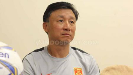 Pelatih Timnas China U-19 Yaodong Cheng menjelaskan alasan dipilihnya Timnas Indonesia U-19 sebagai lawan uji coba. - INDOSPORT